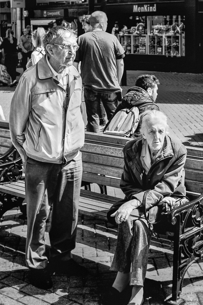 chester uk street photography old couple on bench fuji x100t